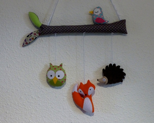 2) mobile branche animaux (2).JPG